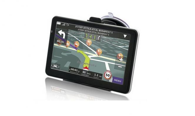 5'' 4 GB GPS Európa térképpel